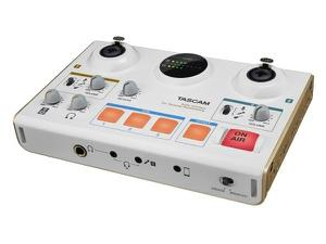 TASCAM MiNiSTUDIO CREATOR US-42 Personal production and online broadcast studio