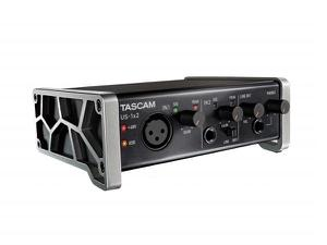 TASCAM US-1x2 1-in/2-out Audio/MIDI Interface with HDDA Mic Preamps and iOS Compatibility